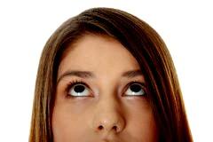 woman-eyes-up